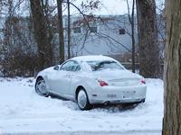 مطر الجليد على السيارة